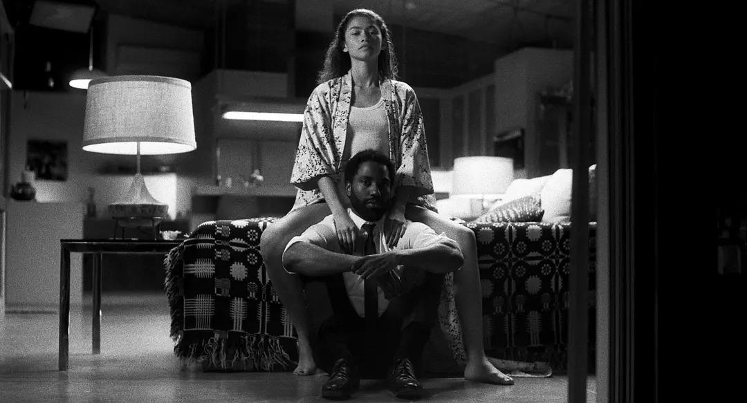 影評首映夜電影試愛 只有兩個角色,我卻完全沉浸在故事、人物和華麗的鏡頭中 電影試愛影评02