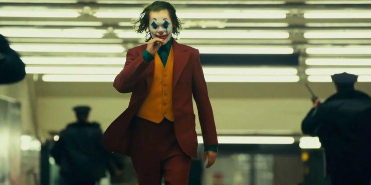《小丑 joker》(2019)類型 驚悚 犯罪 10.75億美元