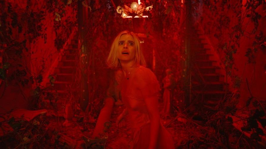 影評《熾熱的世界the blazing world》一部迷幻而奇異的電影,你一定會欣賞它 01