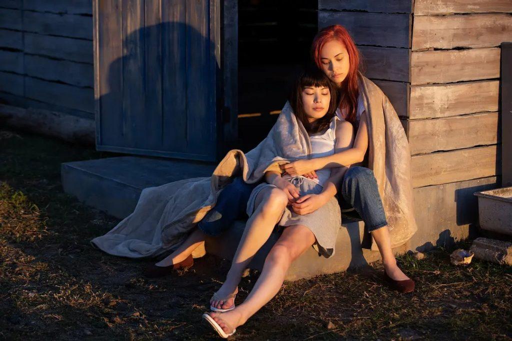 電影影評《彼女》 極端美學的日本同志影片,觀影過程舒適又愉悅!