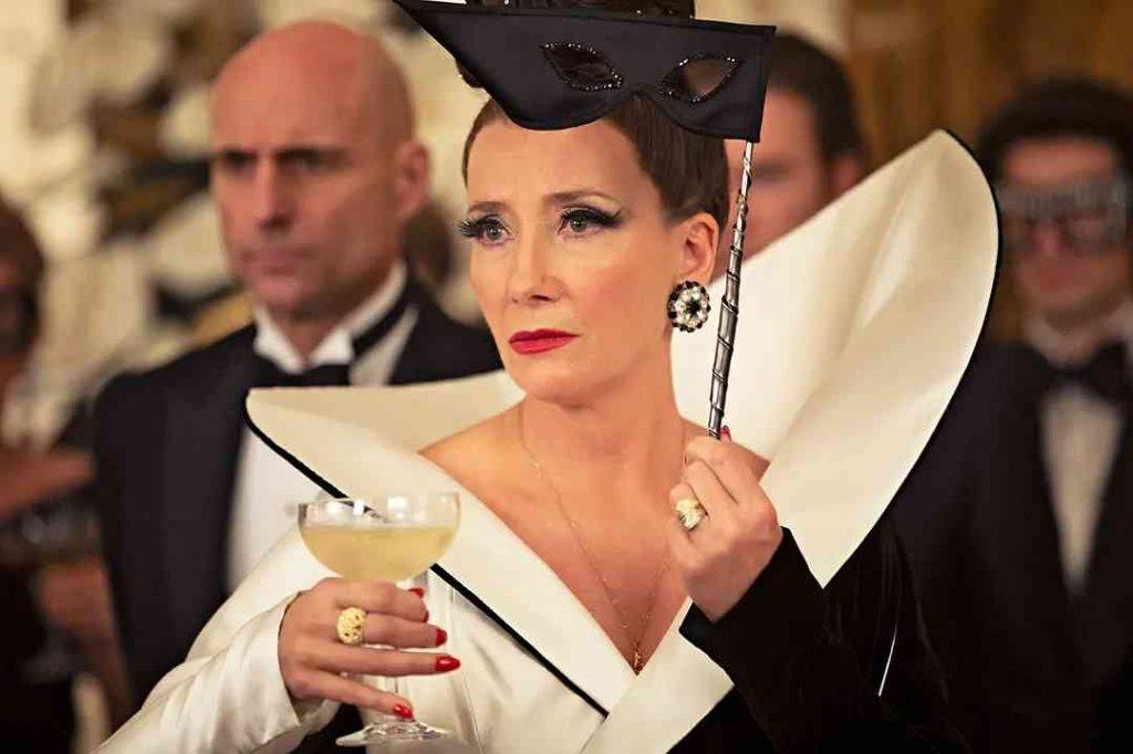 《時尚惡女庫伊拉 黑白魔後》觀影心得、真人版與動畫版的區別、人物亮點1