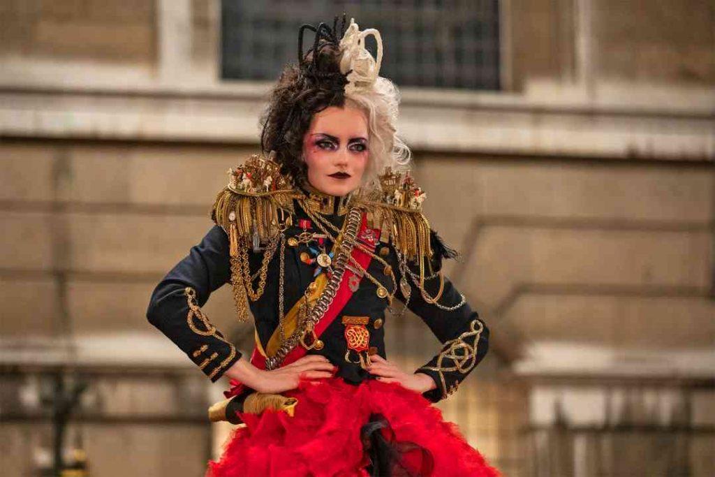 《時尚惡女庫伊拉 黑白魔後》英倫皇室風格