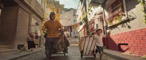 電影《如紙人生 無重人生》影評:幸福的人用童年治癒一生,不幸的人用一生治癒童年