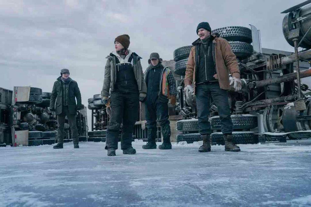 netflix影評《疾凍救援 極地冰劫》評價,劇情解說,故事結局 最新動作災難電影推薦