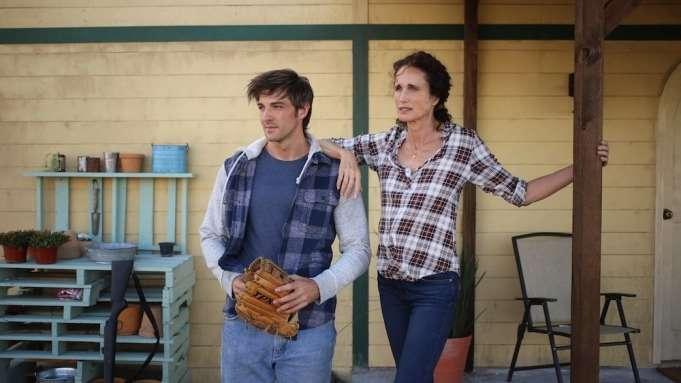 影評《無人之地no man's land 》評價 男主角帥氣,就是點笨頭笨腦,一部不錯的西部片,關於青年犯錯後的自我救贖 04
