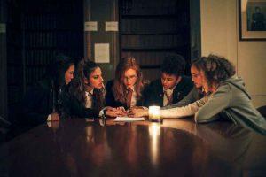 影評《女校召靈seance》劇情解說、結局:巴雷特的處女作,一部聰明、令人滿意的電影 06