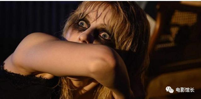 影評《迷離夜蘇活劇情蘇豪的最後一夜》:一個黑暗的故事,迷人的故事情節,從頭到尾都很緊張last night in soho5