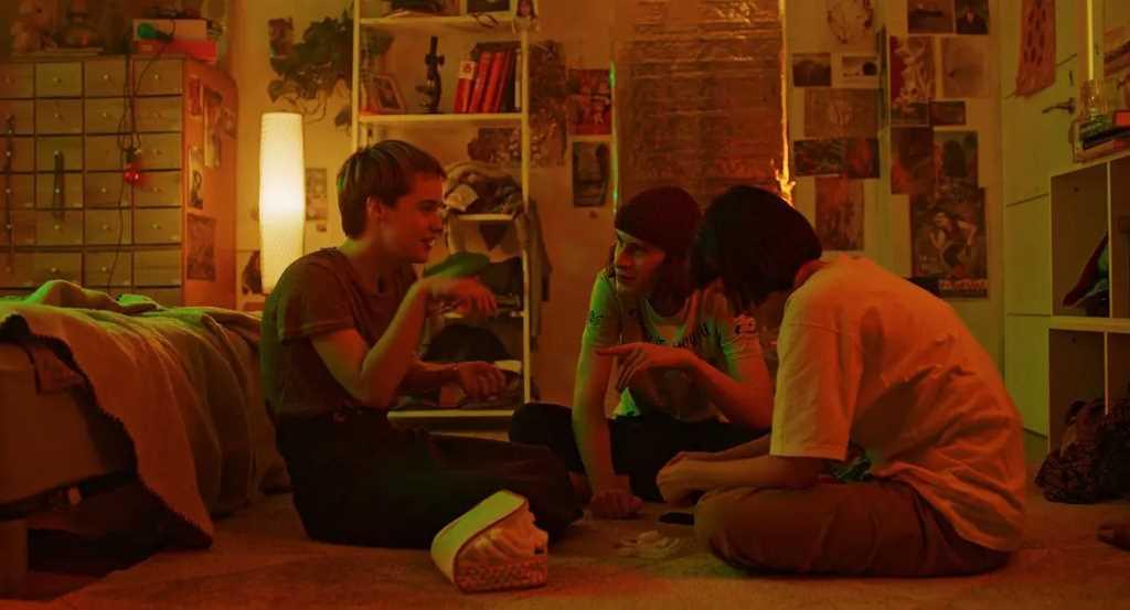 影評《立刻靜止》烏克蘭少女們沉浸式的情感體驗   Stop-Zemlia Review快停下,澤米莉亞